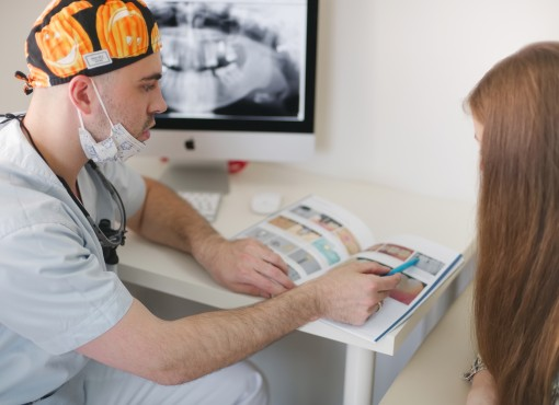 Акция! Бесплатная консультация хирурга-имплантолога.